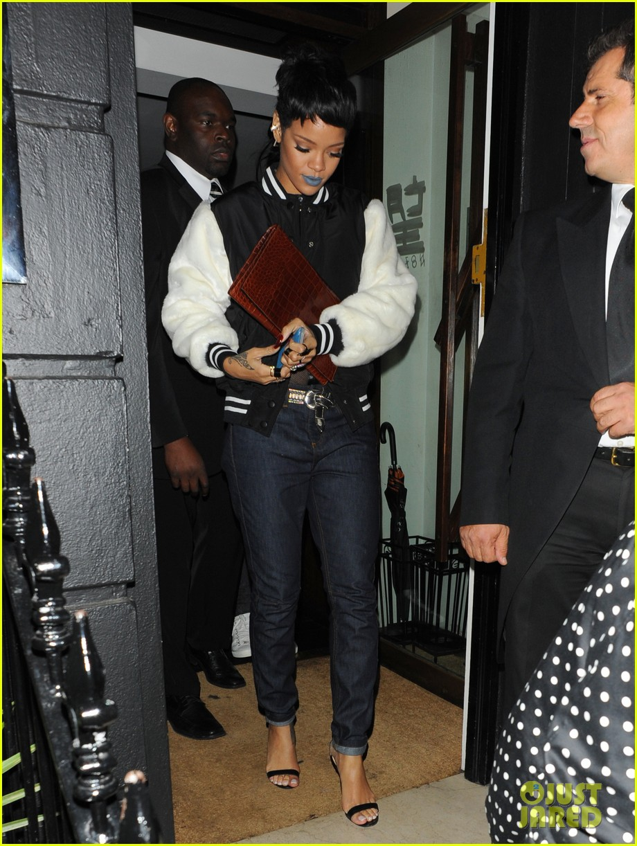 rihanna early wake up call after night out with cara delevingne 072949943