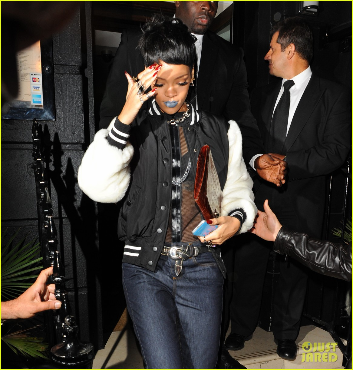 rihanna early wake up call after night out with cara delevingne 092949945