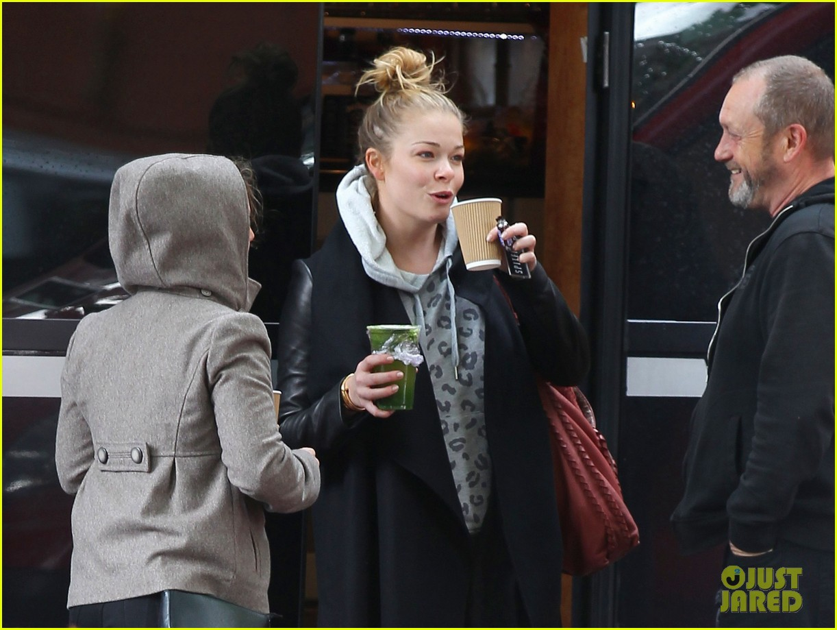 leann rimes starts day with coffee miley cyrus wrecking ball 092954251
