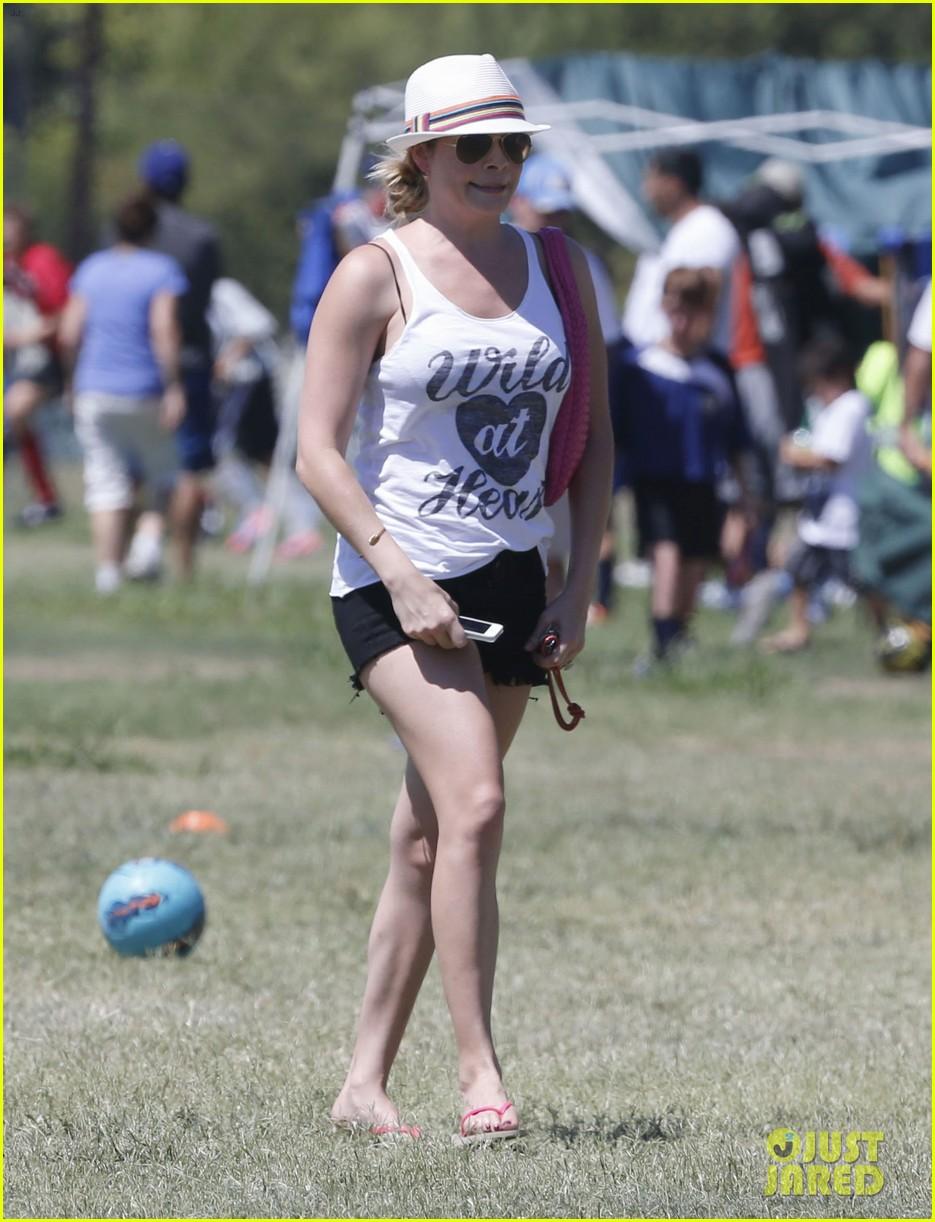 leann rimes eddie cibrian sweat it out at mason soccer game 012947060