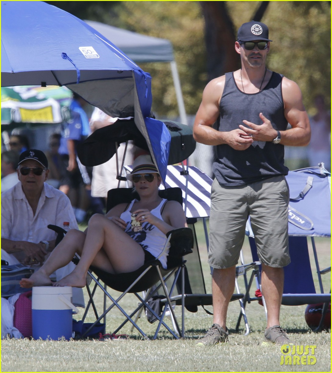 leann rimes eddie cibrian sweat it out at mason soccer game 022947061