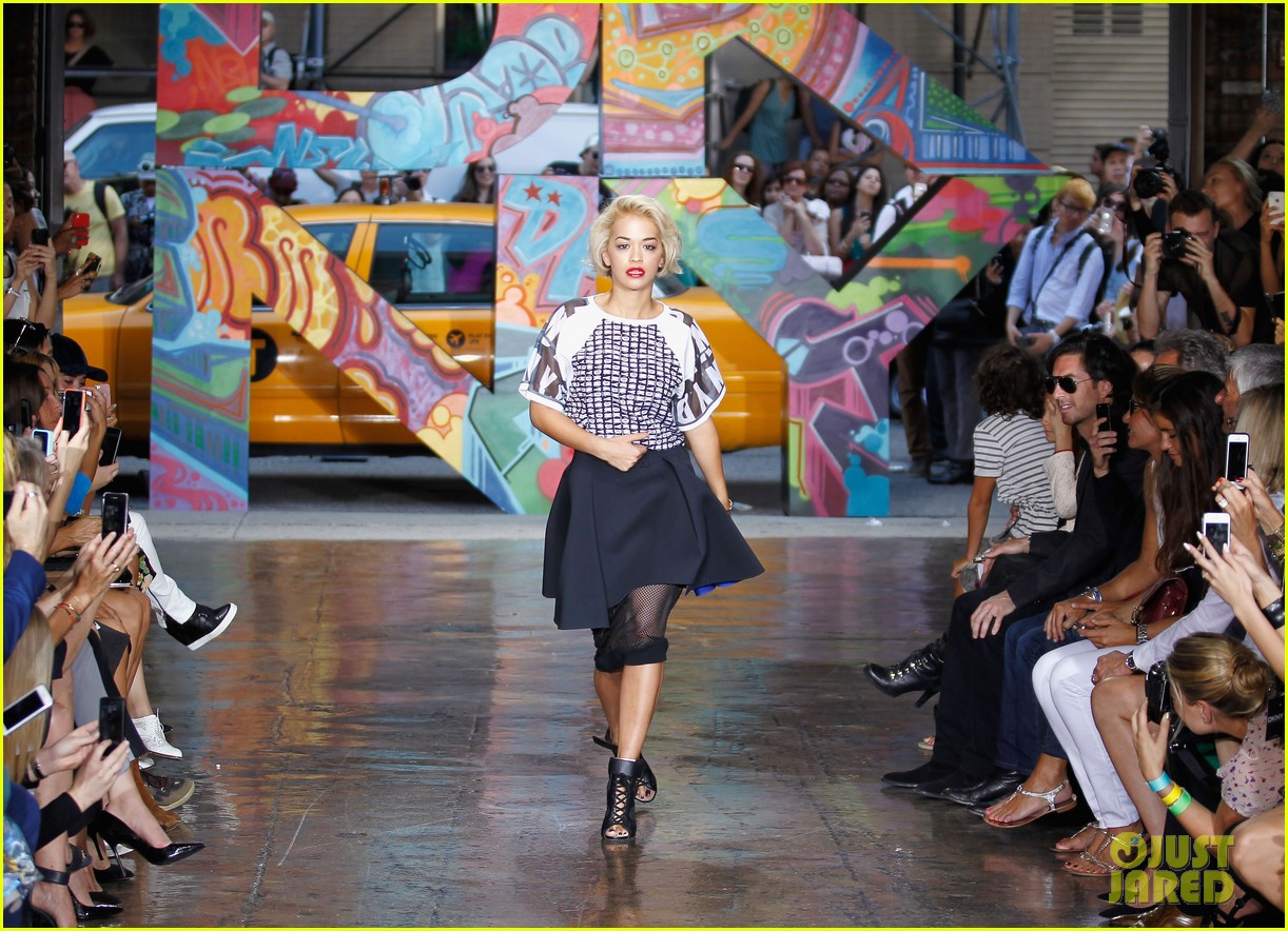 rita ora karlie kloss dkny fashion show models 062947173