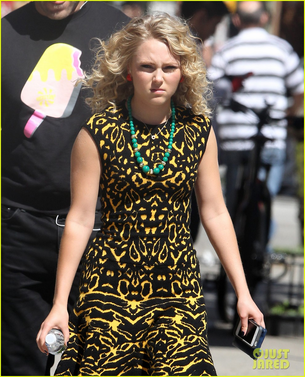 annasophia robb fashionista for carrie diaries 04