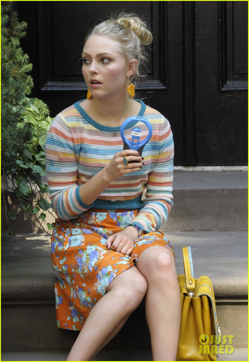 annasophia robb rocks fun outfits for carrie diaries 122951473