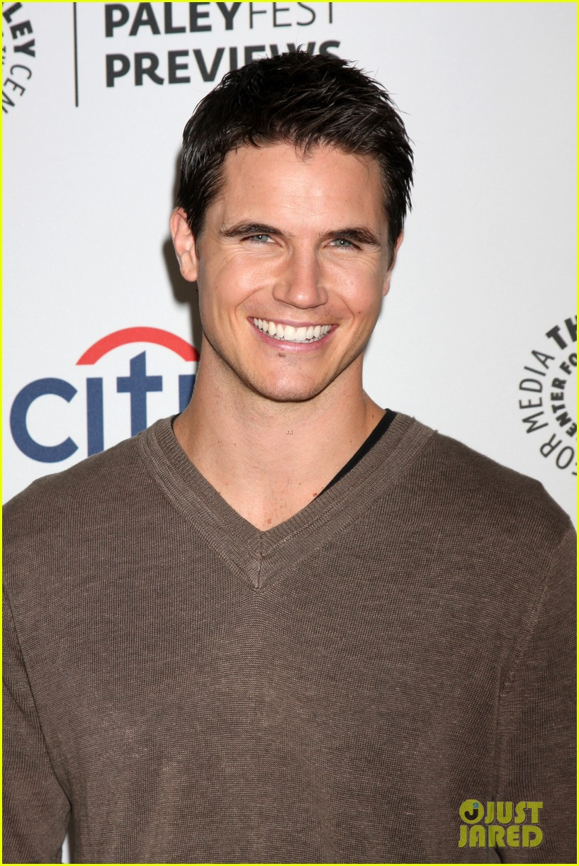 robbie amell the tomorrow people paleyfest previews 2013 01