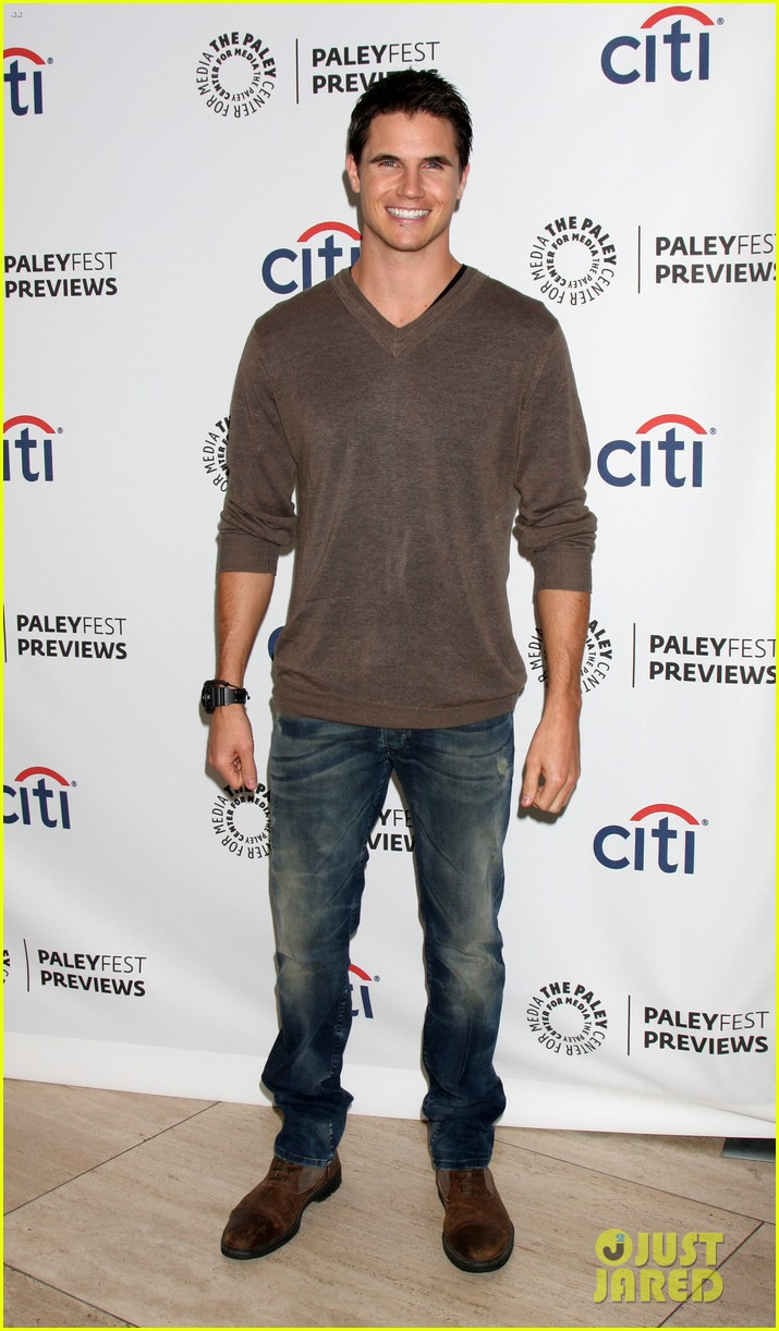 robbie amell the tomorrow people paleyfest previews 2013 032946773