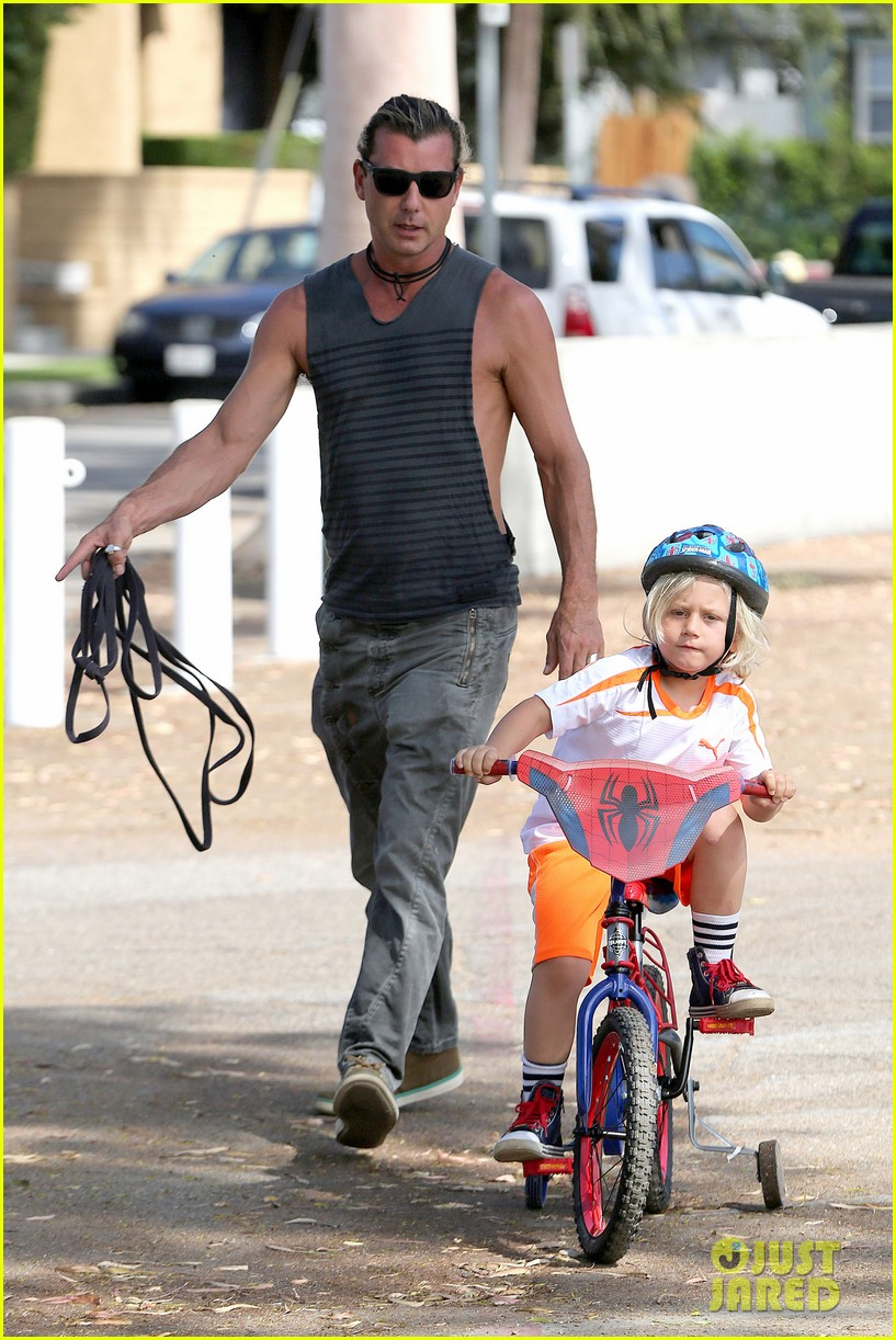 gavin rossdale enjoys beautiful day with kids in cali 05