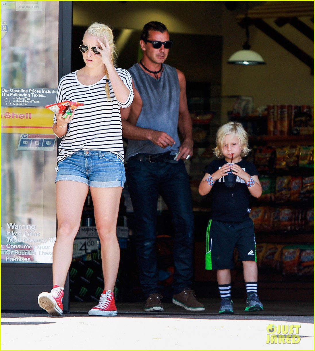 gavin rossdale malibu pit stop with the boys 052942795