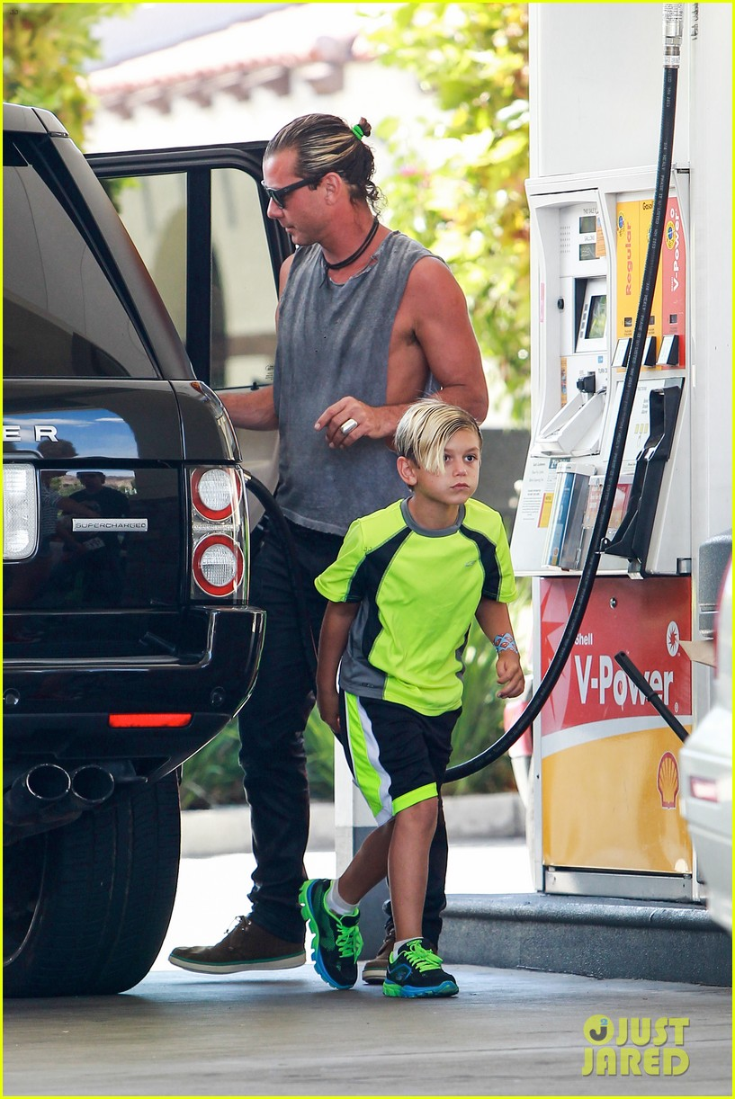 gavin rossdale malibu pit stop with the boys 092942799