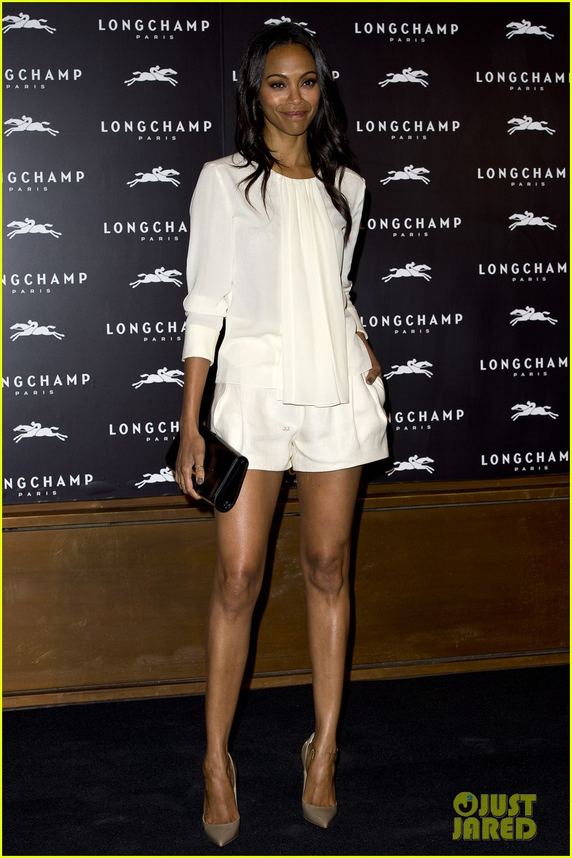 zoe saldana hides wedding ring at first post marriage event 062952480