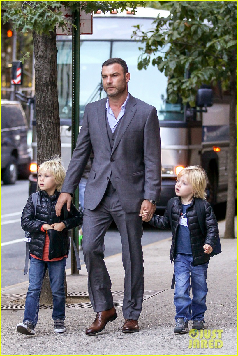 liev schreiber suits up for bike ride with his boys 012959076