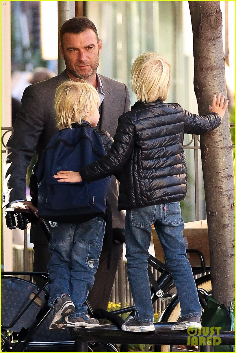 liev schreiber suits up for bike ride with his boys 02