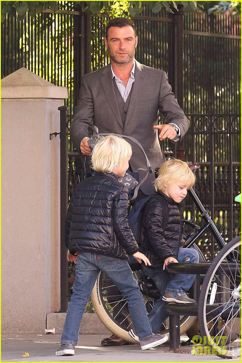 liev schreiber suits up for bike ride with his boys 062959081