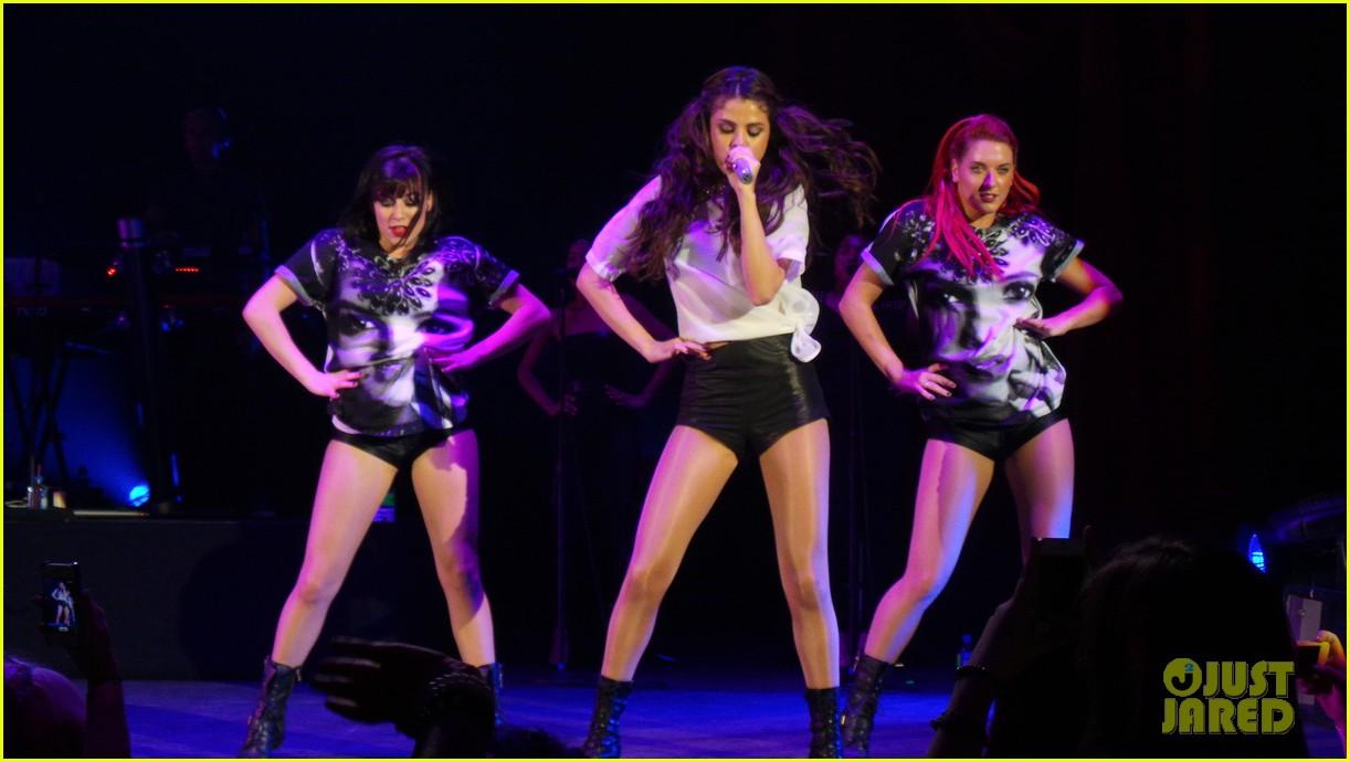 selena gomez london concert pics 062946937