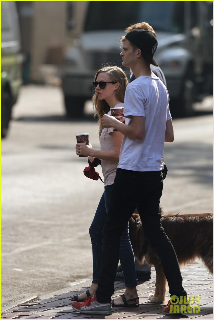 amanda seyfried immortality for her dog finn 15