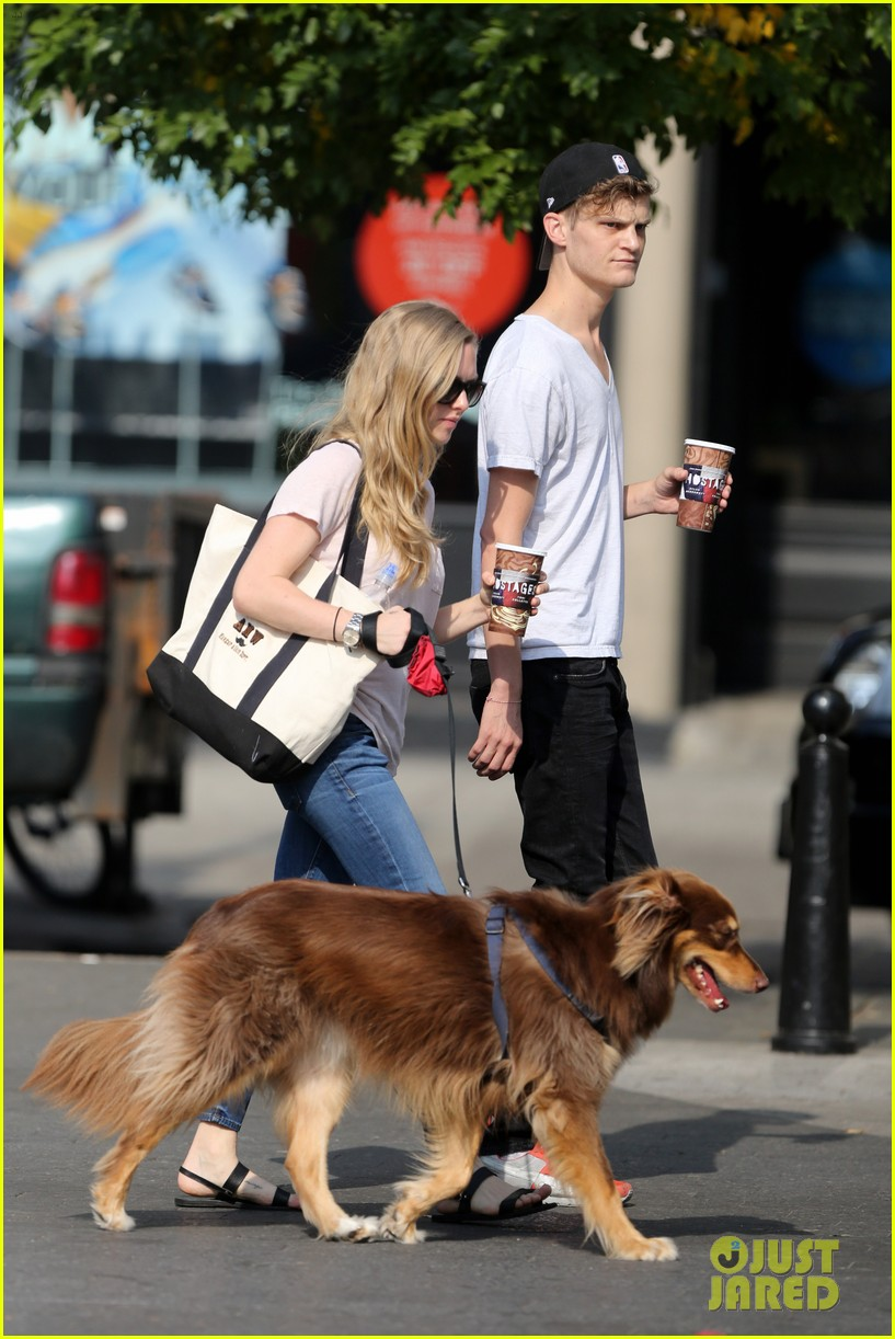 amanda seyfried immortality for her dog finn 162951332