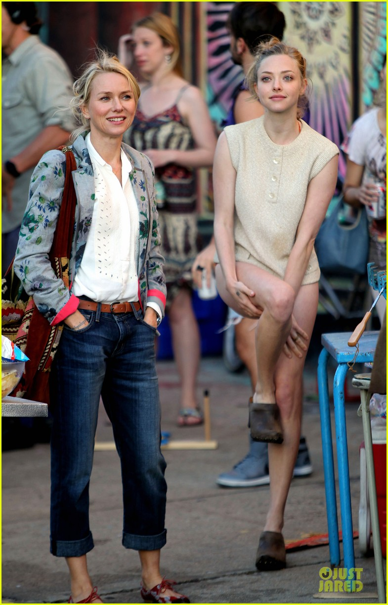 amanda seyfried flashes underwear while were young 032959509