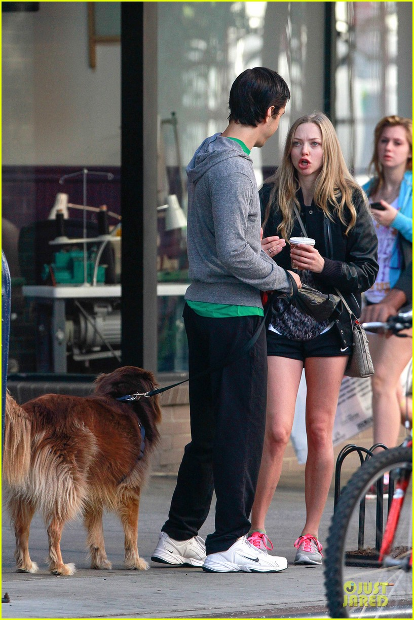amanda seyfried flashes underwear while were young 132959519