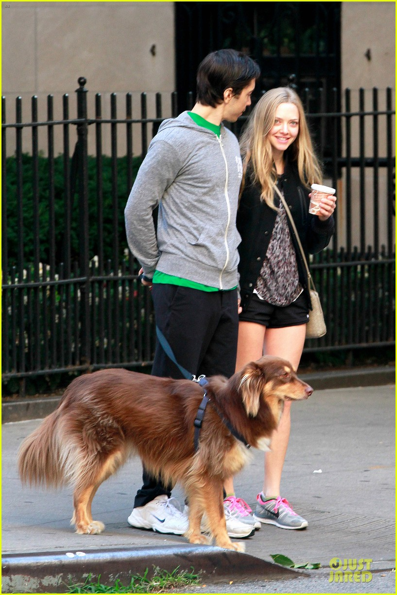 amanda seyfried flashes underwear while were young 142959520