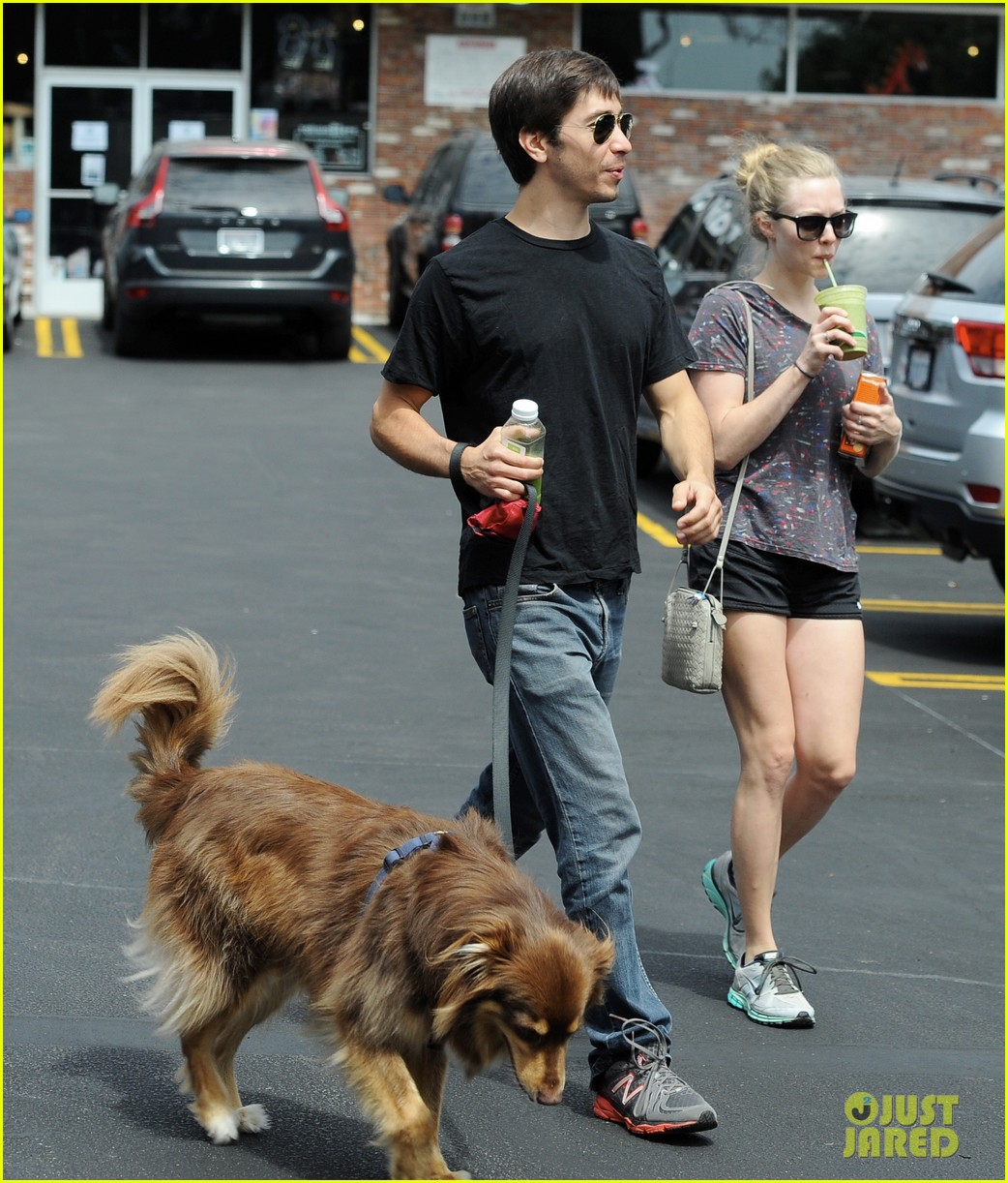amanda seyfried justin long weekend outing with finn 04