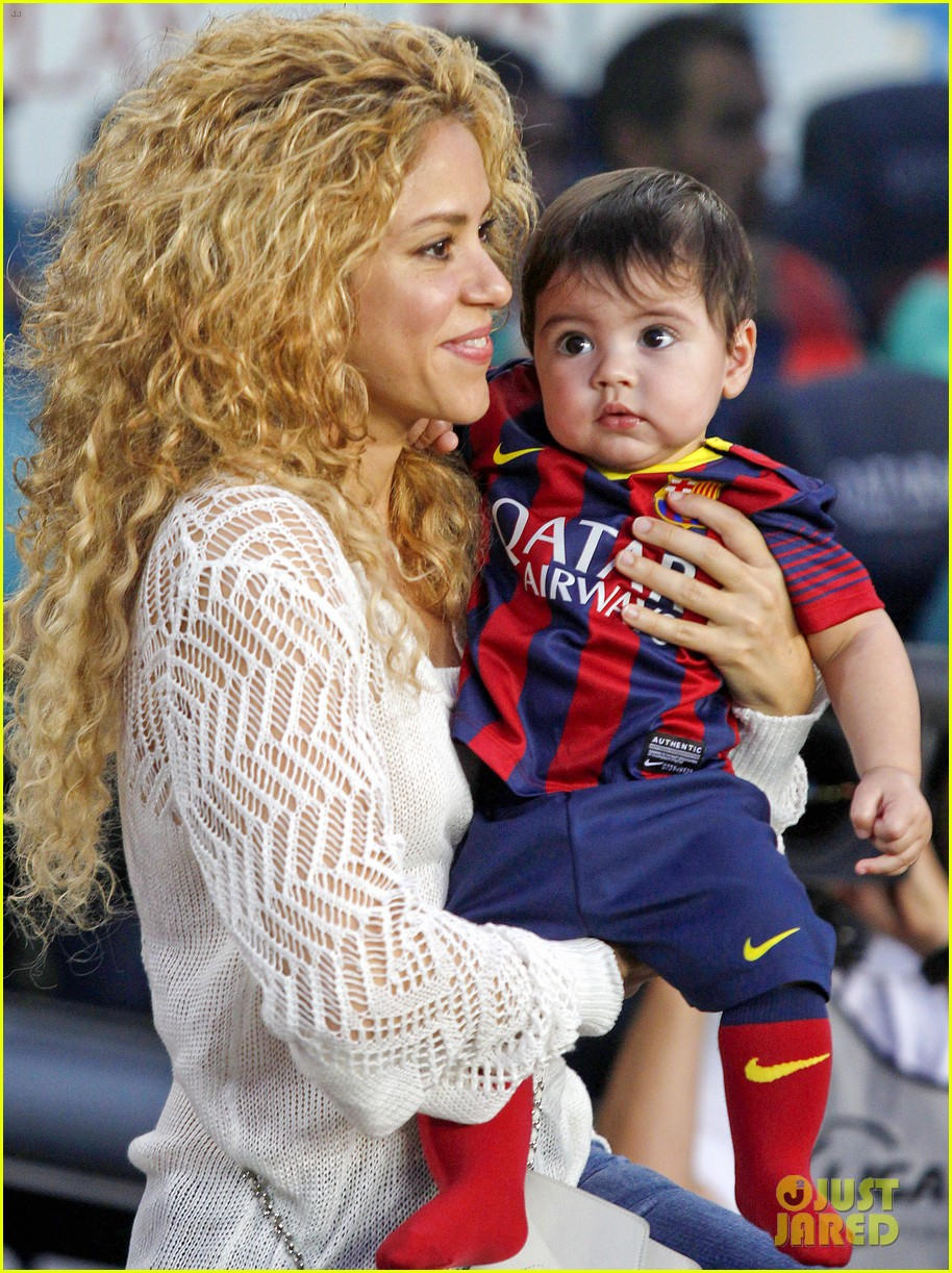 shakira baby milan cheer on gerard pique 062952841
