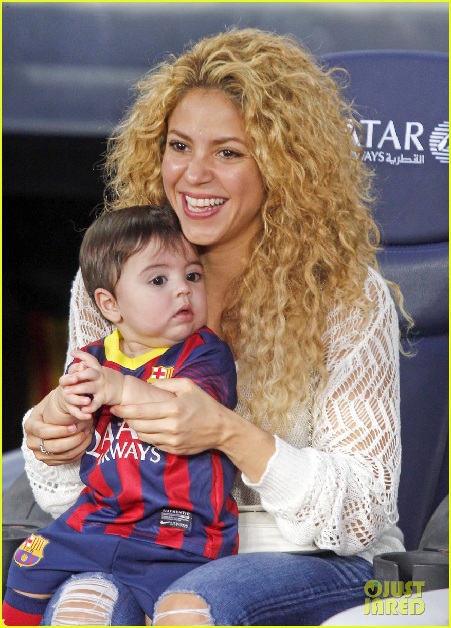 shakira baby milan cheer on gerard pique 102952845
