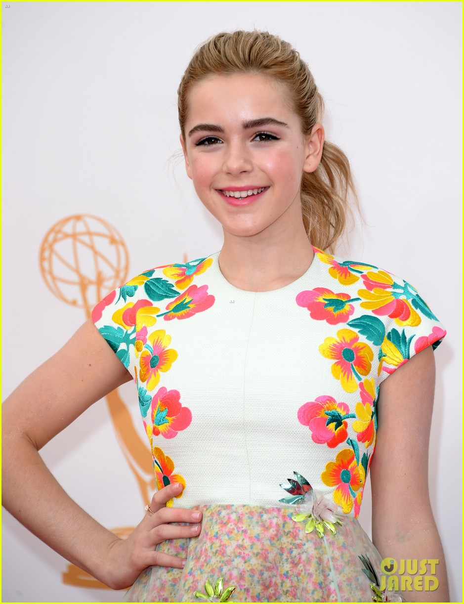 kiernan shipka morgan saylor emmys 2013 red carpet 142957928