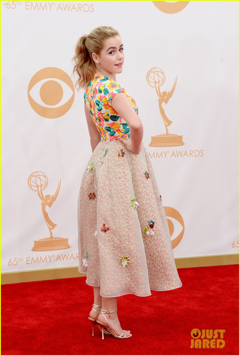 kiernan shipka morgan saylor emmys 2013 red carpet 17