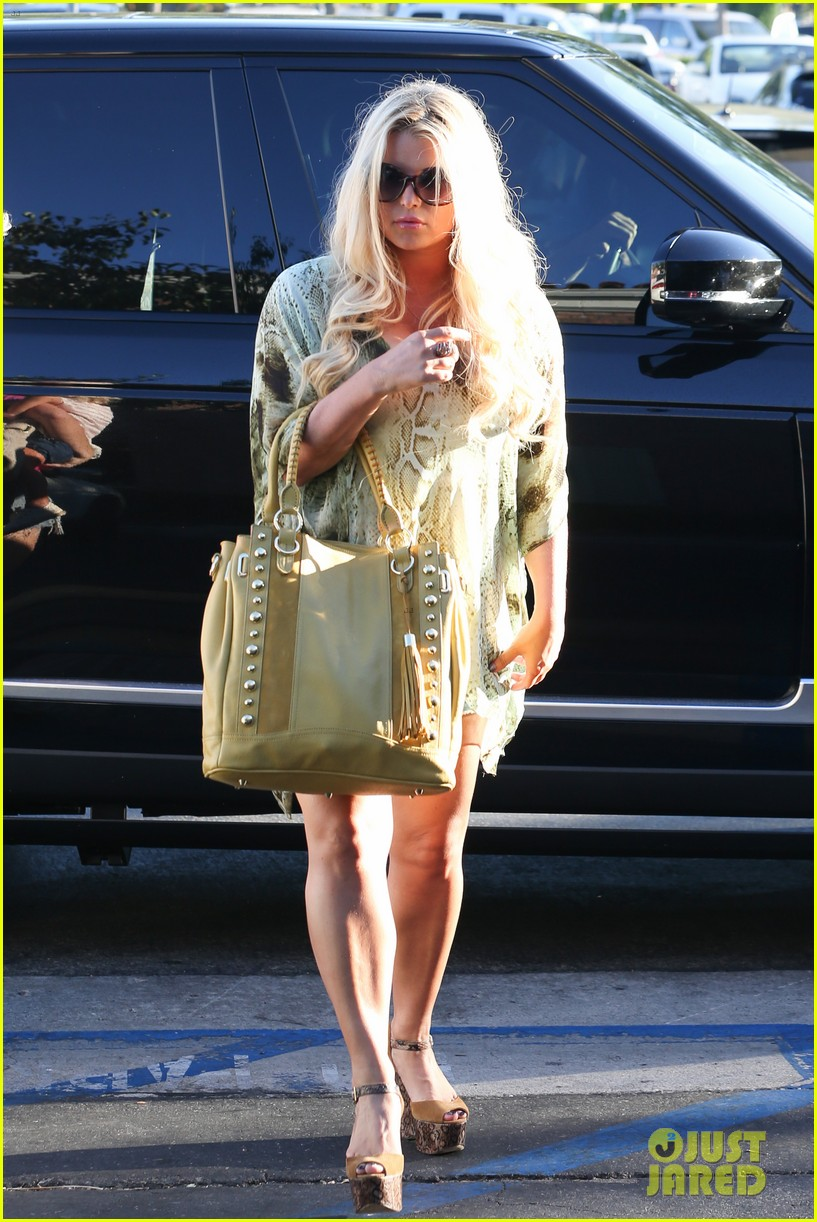 jessica simpson kings fish house dinner with family 022944410