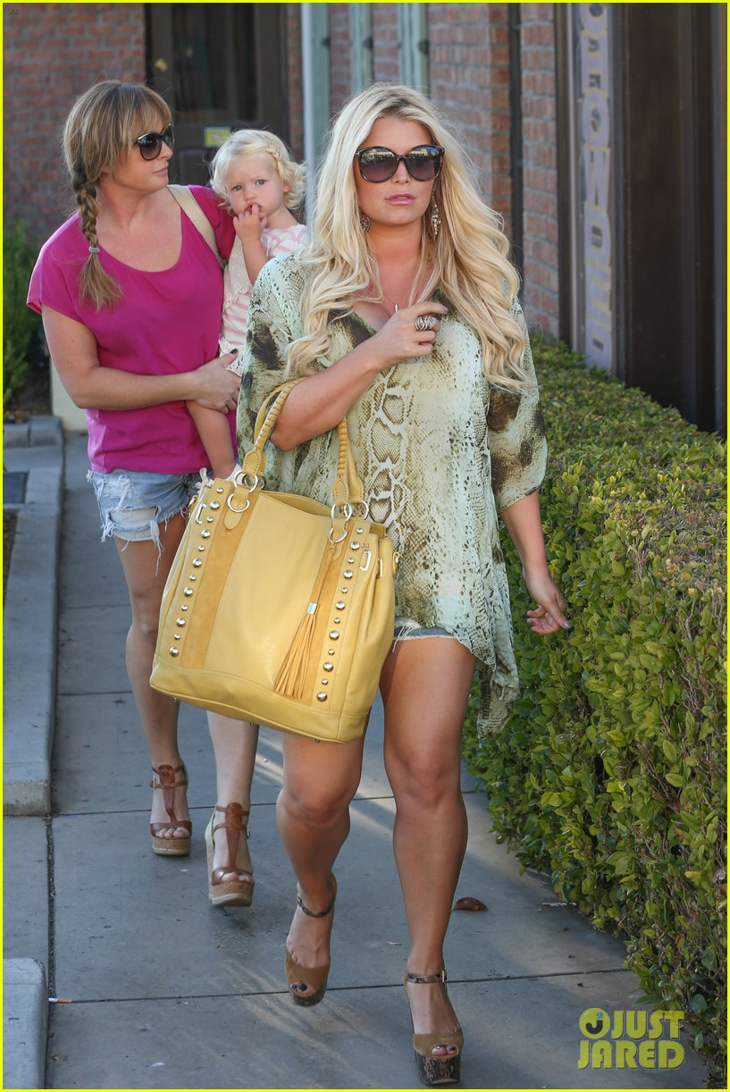 jessica simpson kings fish house dinner with family 062944414
