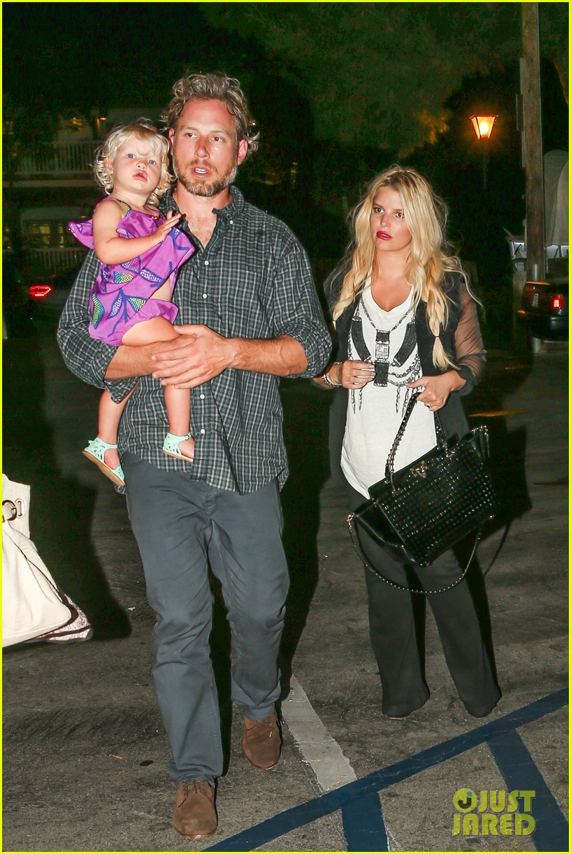 jessica simpson enjoys labor day weekend with family 012941903
