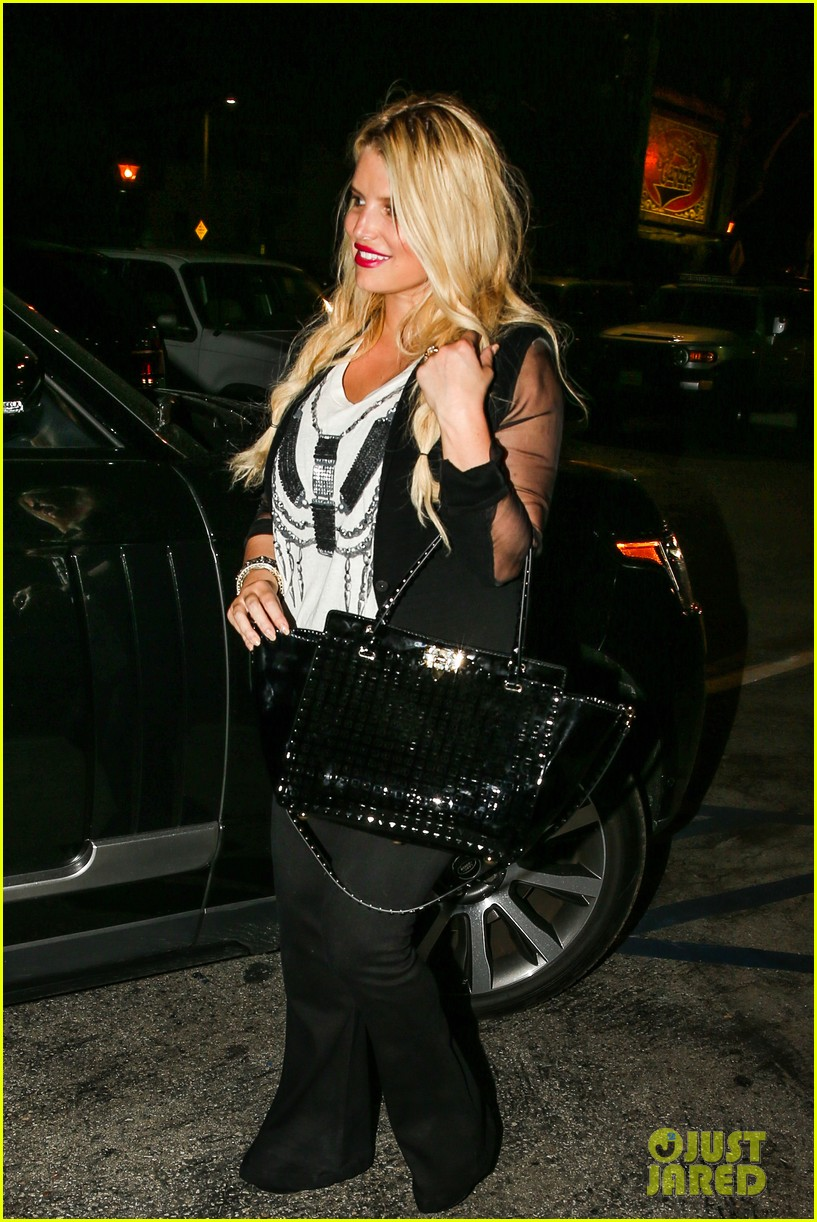 jessica simpson enjoys labor day weekend with family 032941905