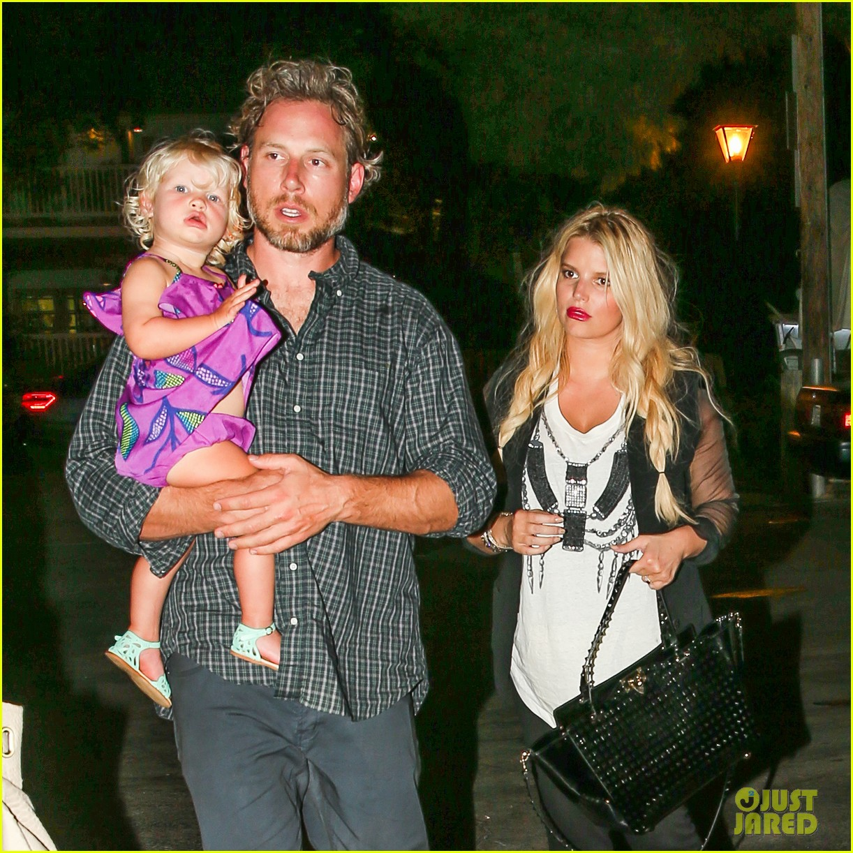 jessica simpson enjoys labor day weekend with family 092941911