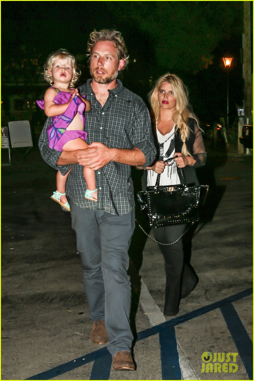 jessica simpson enjoys labor day weekend with family 102941912