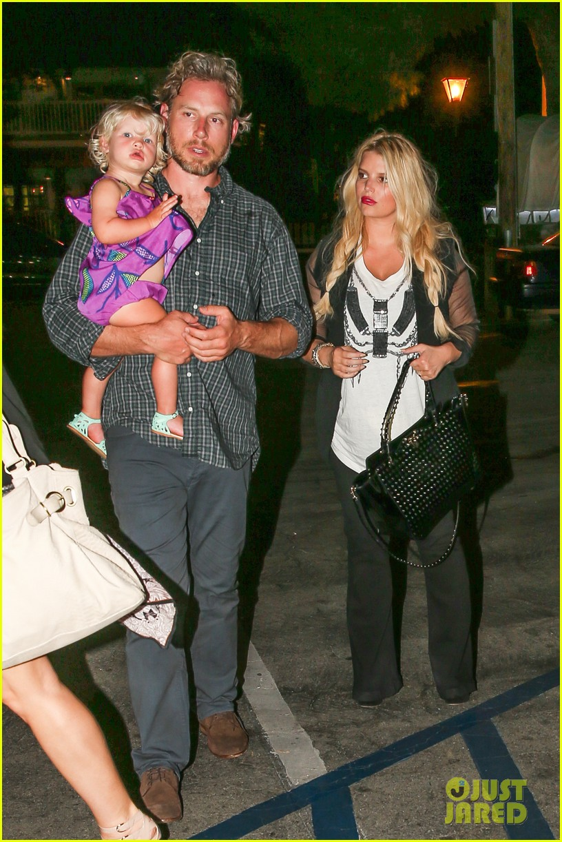 jessica simpson enjoys labor day weekend with family 132941915