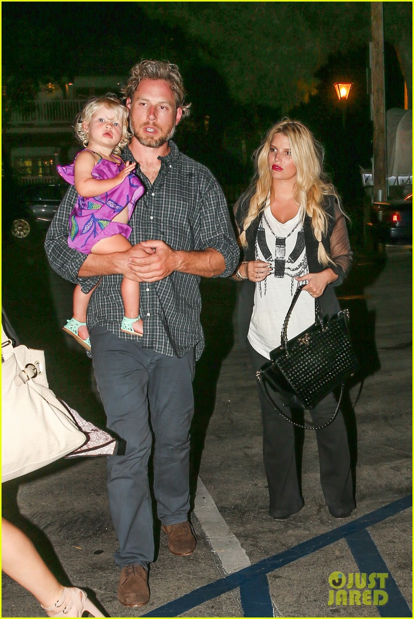 jessica simpson enjoys labor day weekend with family 142941916
