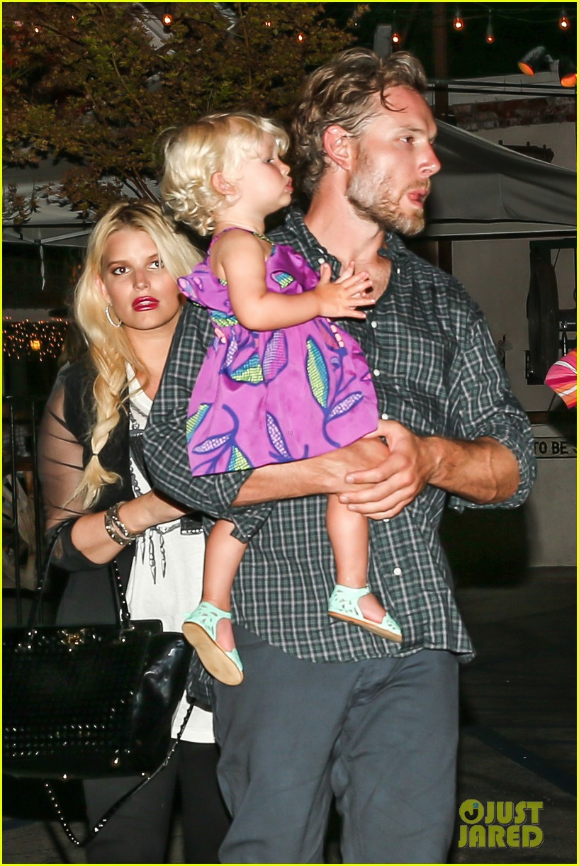 jessica simpson enjoys labor day weekend with family 172941919