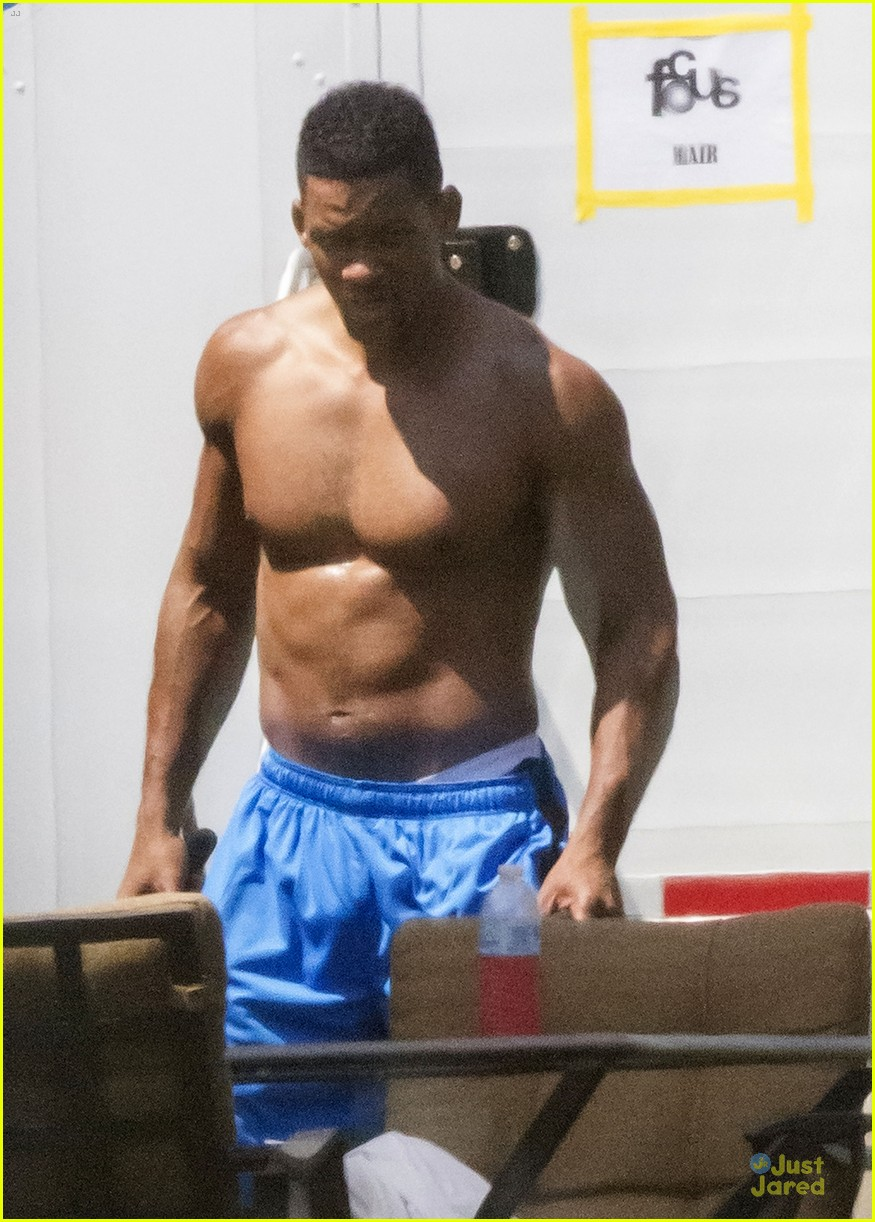will smith shirtless fighting moves for focus 022951715
