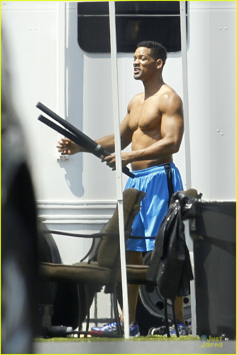 will smith shirtless fighting moves for focus 032951716