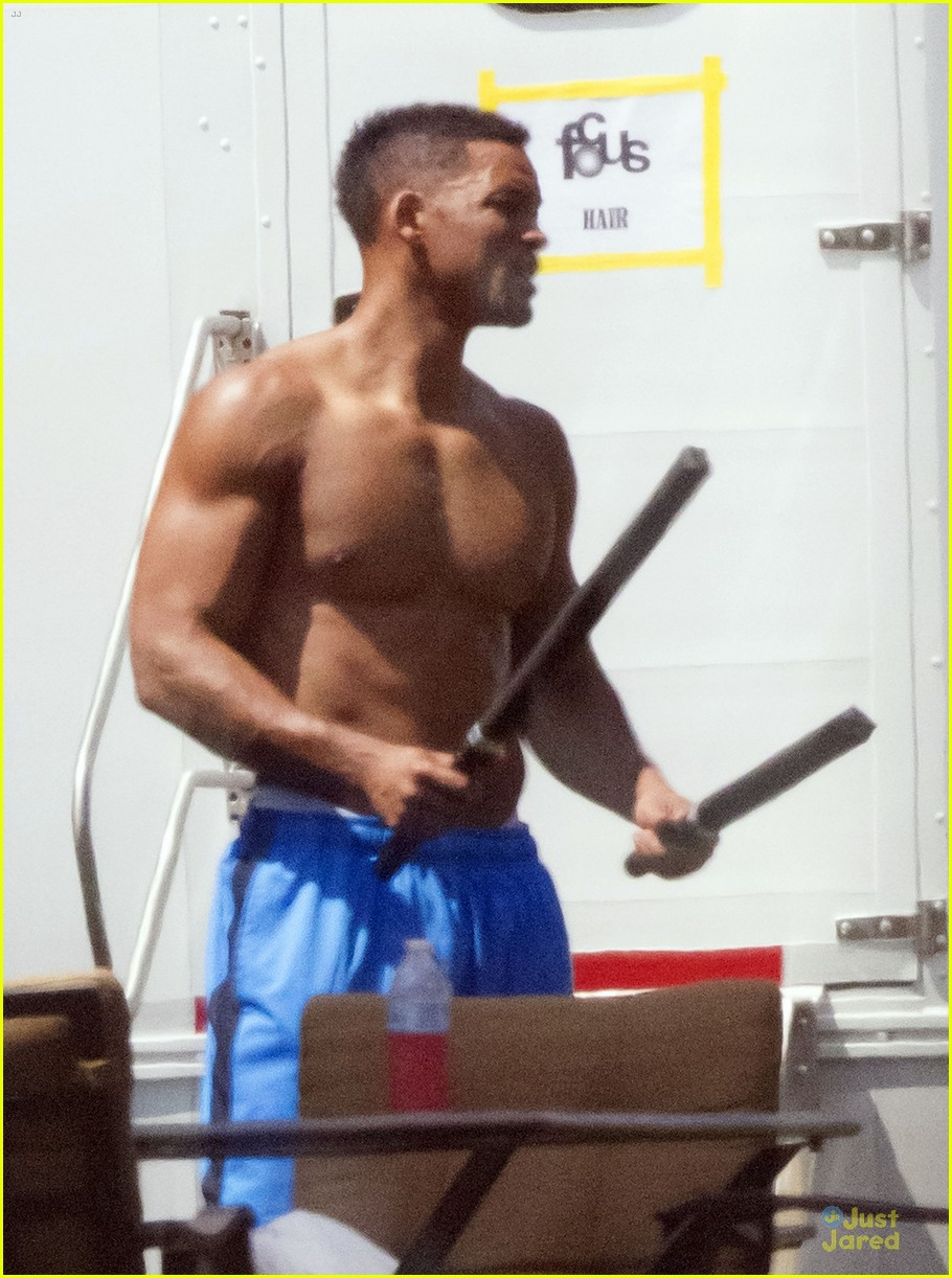 will smith shirtless fighting moves for focus 042951717