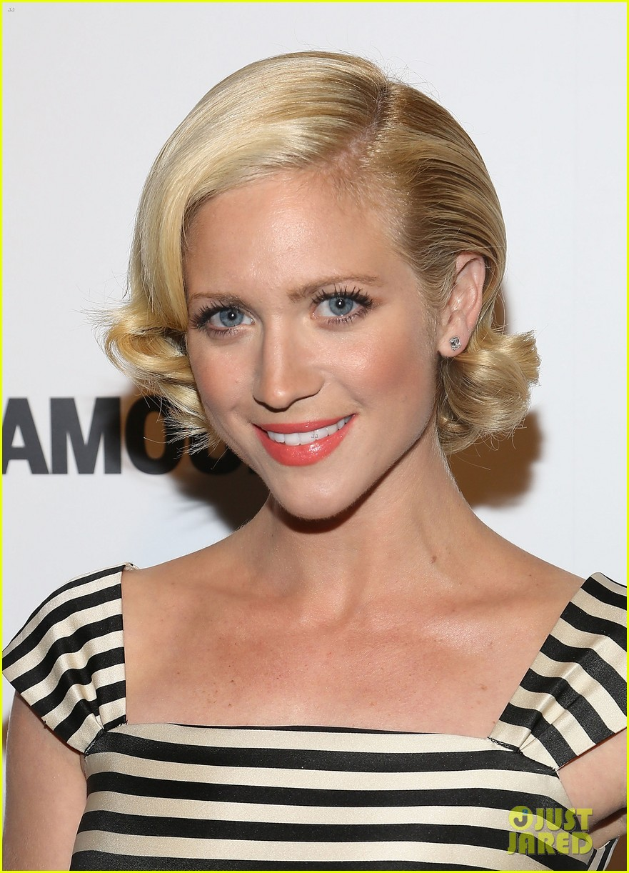brittany snow mistaken for britney spears while getting award 042948866