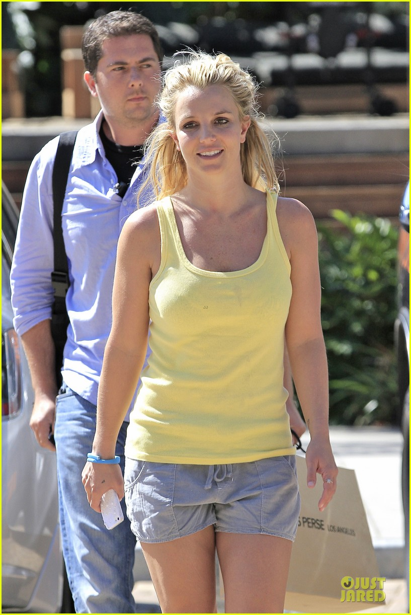 britney spears spreads love after labor day 152943150