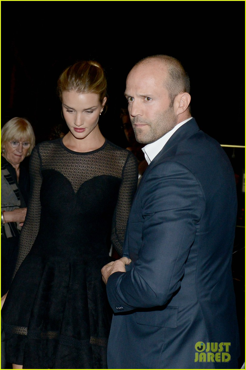 jason statham rosie huntington whiteley azzedine alaia paris fashion show 04