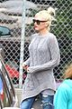 gwen stefani possible baby bump drop off the boys 04