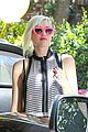gwen stefani possible baby bump attend birthday party 04