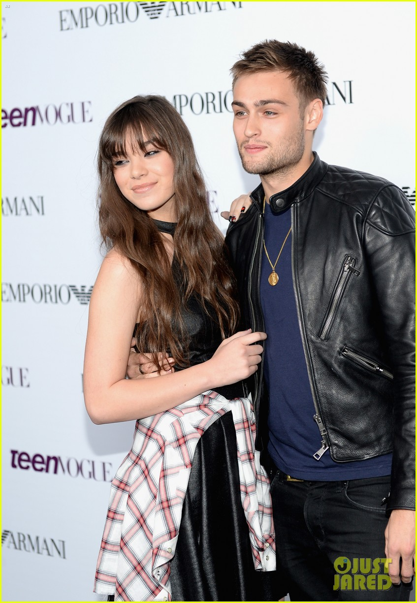 hailee steinfeld douglas booth teen vogue young hollywood party 2013 082961560