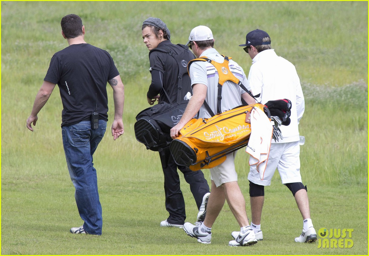 harry styles niall horan barossa valley golf club duo 202958586