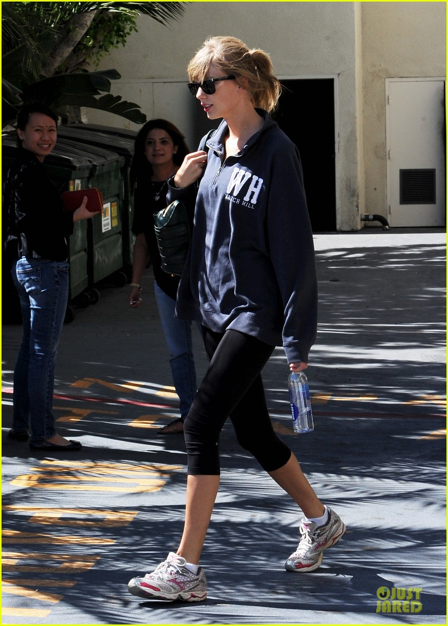 taylor swift steps out for workout after the giver news 192961250