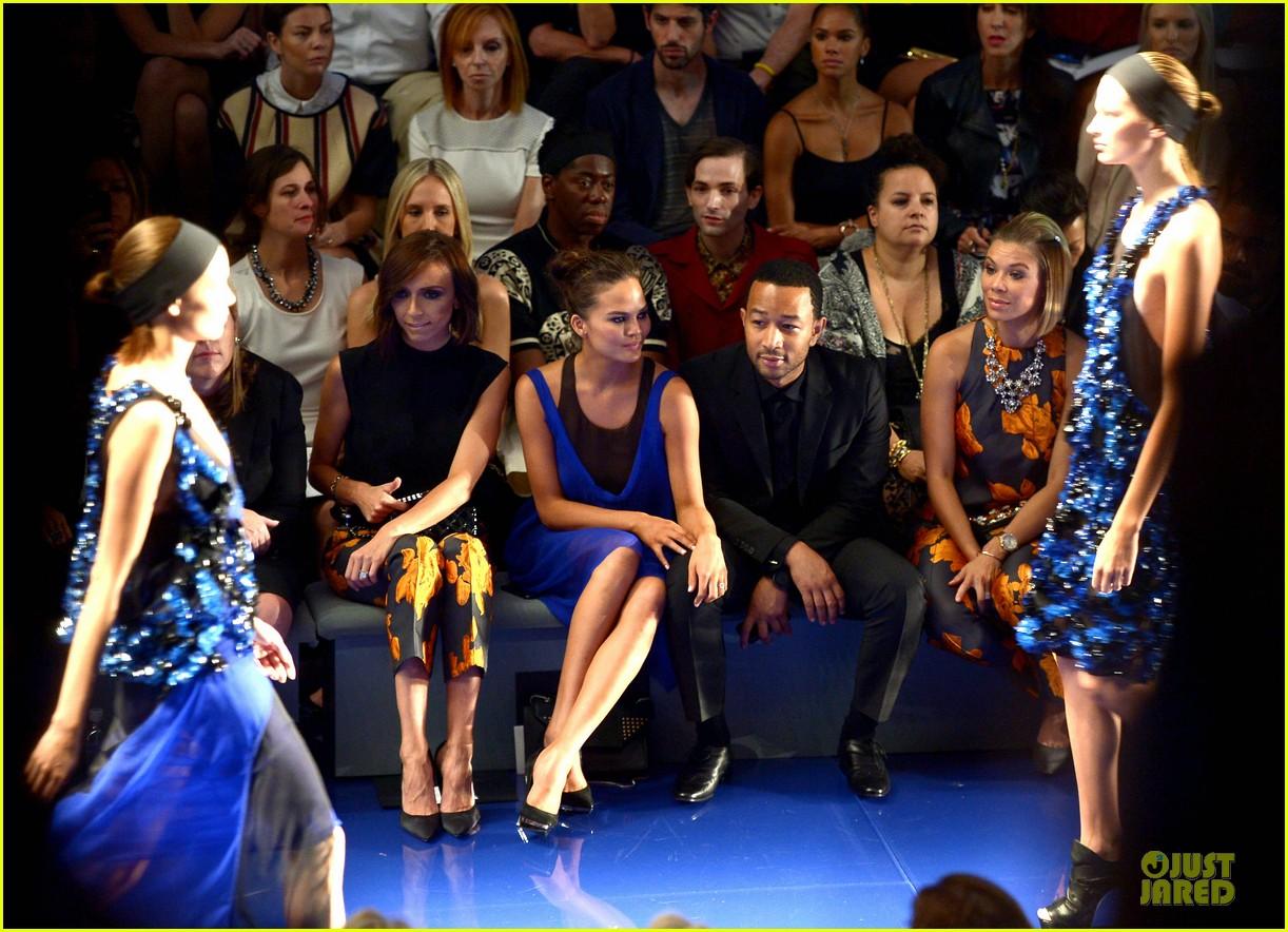 chrissy teigen john legend vera wang badgley mischka fashion shows 152949571