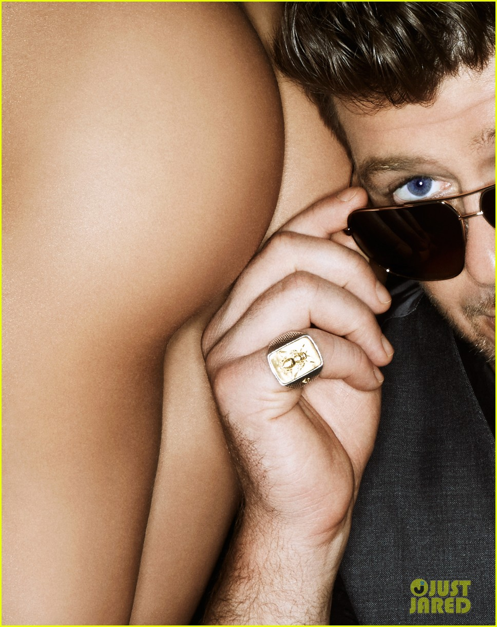 robin thicke covers treats magazine with nude women 072948362